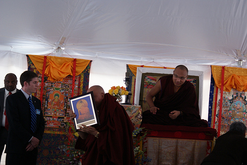 6.4.8-Karthar-Rinpoche-cover-his-face